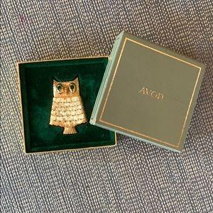 Vintage jeweled owl pin 🦉